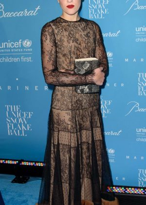 Mia Moretti - 2016 UNICEF Snowflake Ball in New York