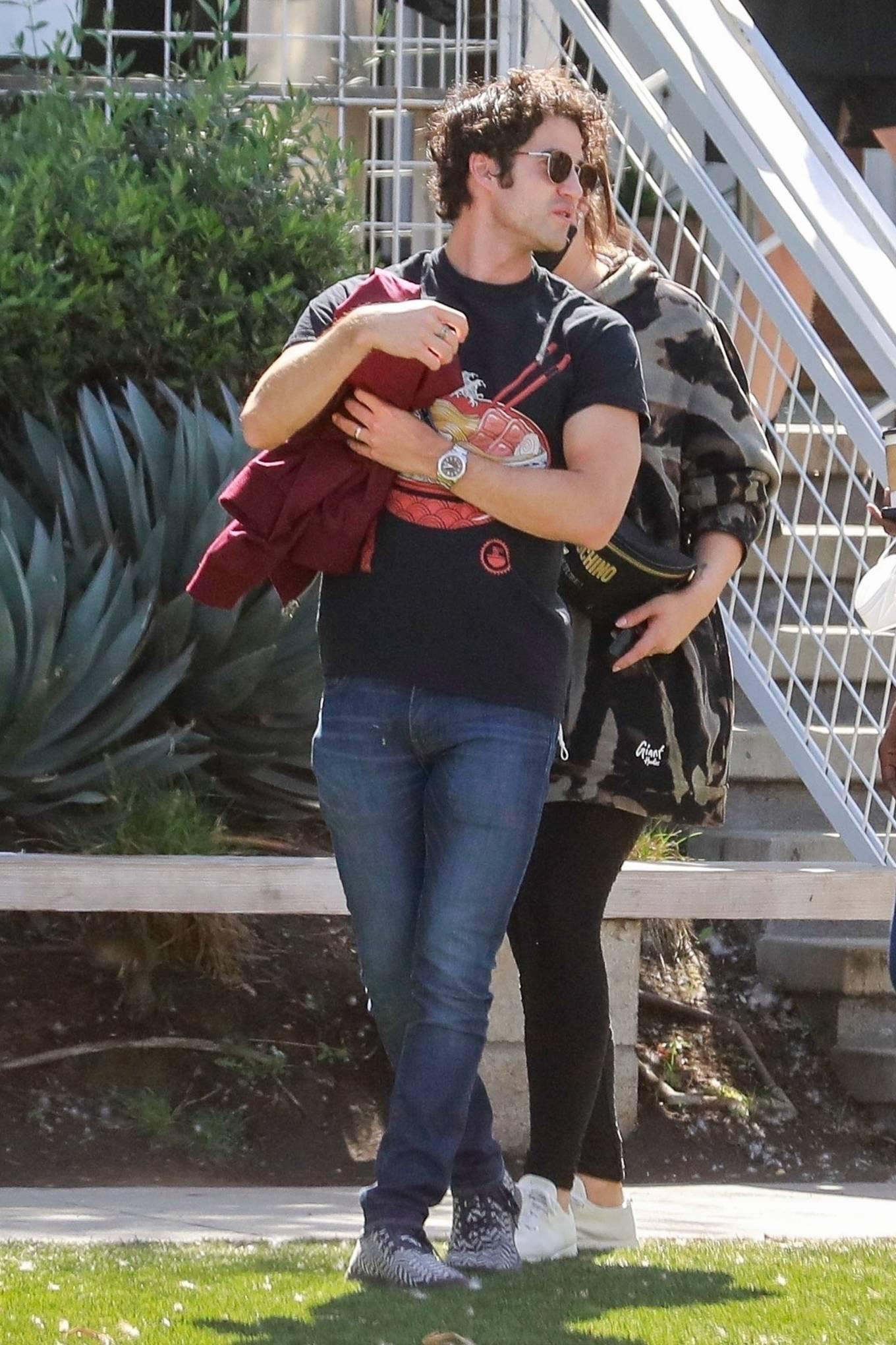 Mia Swier 2021 : Mia Swier – lunch with friends in Los Feliz-11