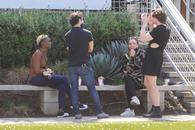 Mia Swier 2021 : Mia Swier – lunch with friends in Los Feliz-14