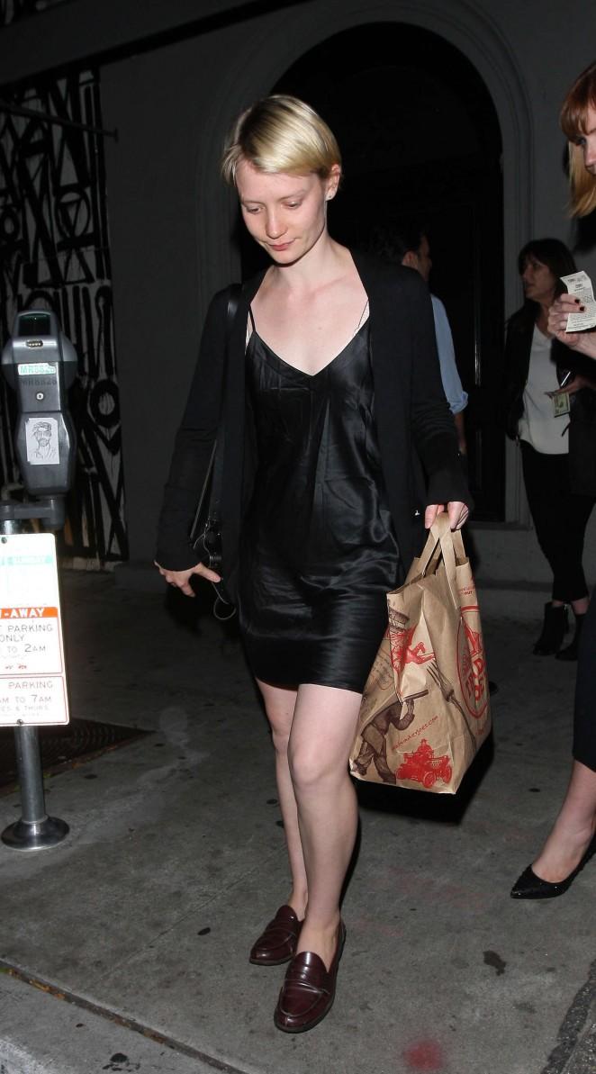 Mia Wasikowska: Leaves Craigs Restaurant -02
