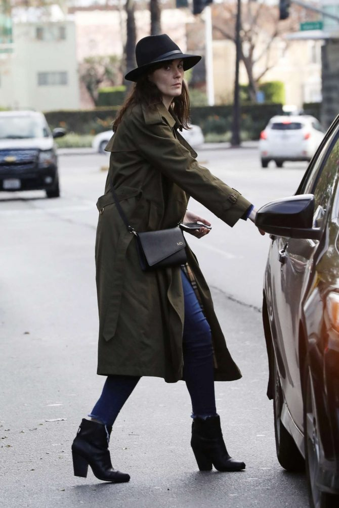Michelle Dockery – Leaving Sugar Fish Sushi in Beverly Hills