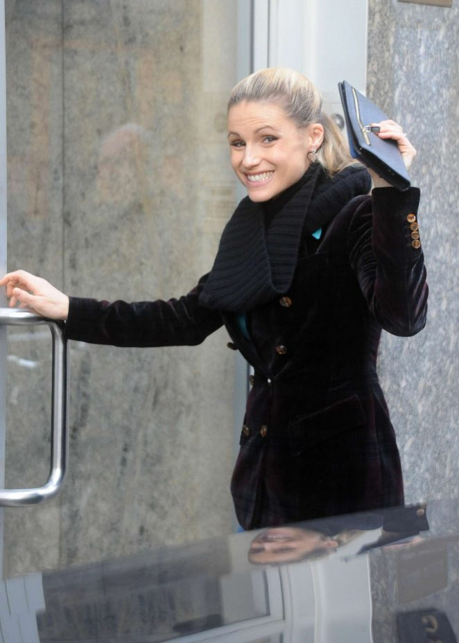 Michelle Hunziker – Arrives at an office building in Milan