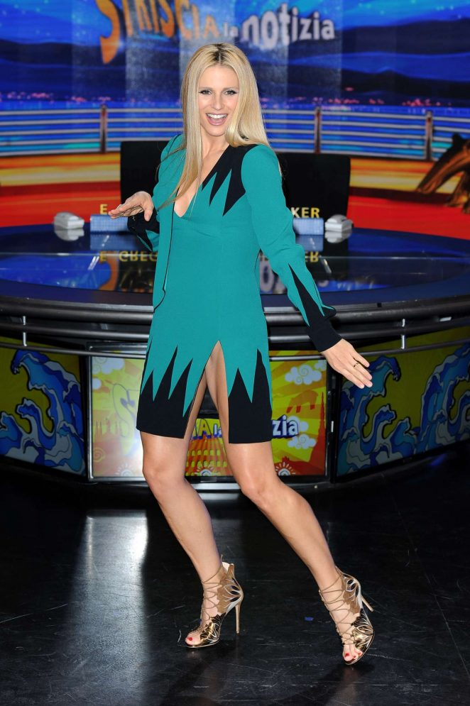 Michelle Hunziker at Striscia La Notizia TV Show -01