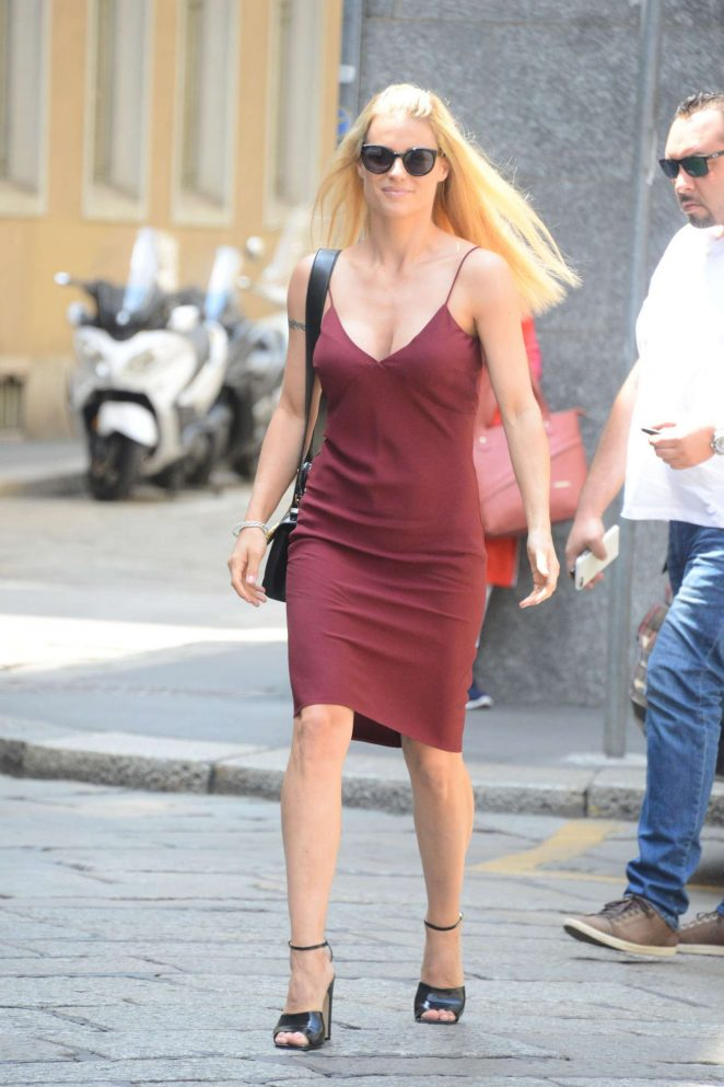 Michelle Hunziker - Going for lunch at Trussardi in Milan
