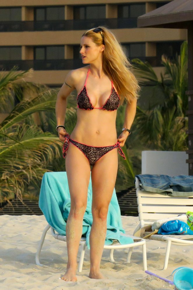 Michelle Hunziker in Bikini on the beach in Dubai