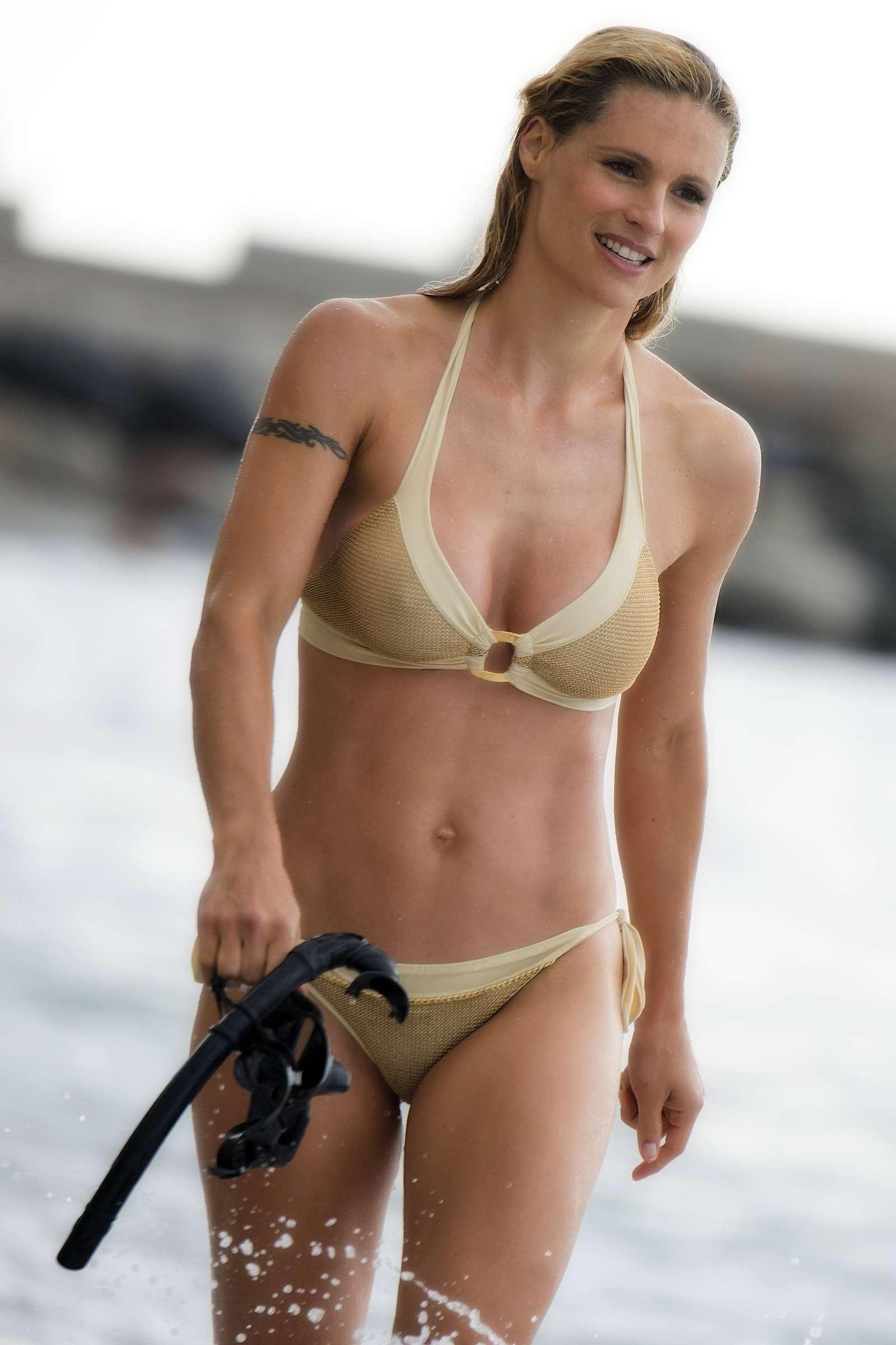Milf Im Bikini
