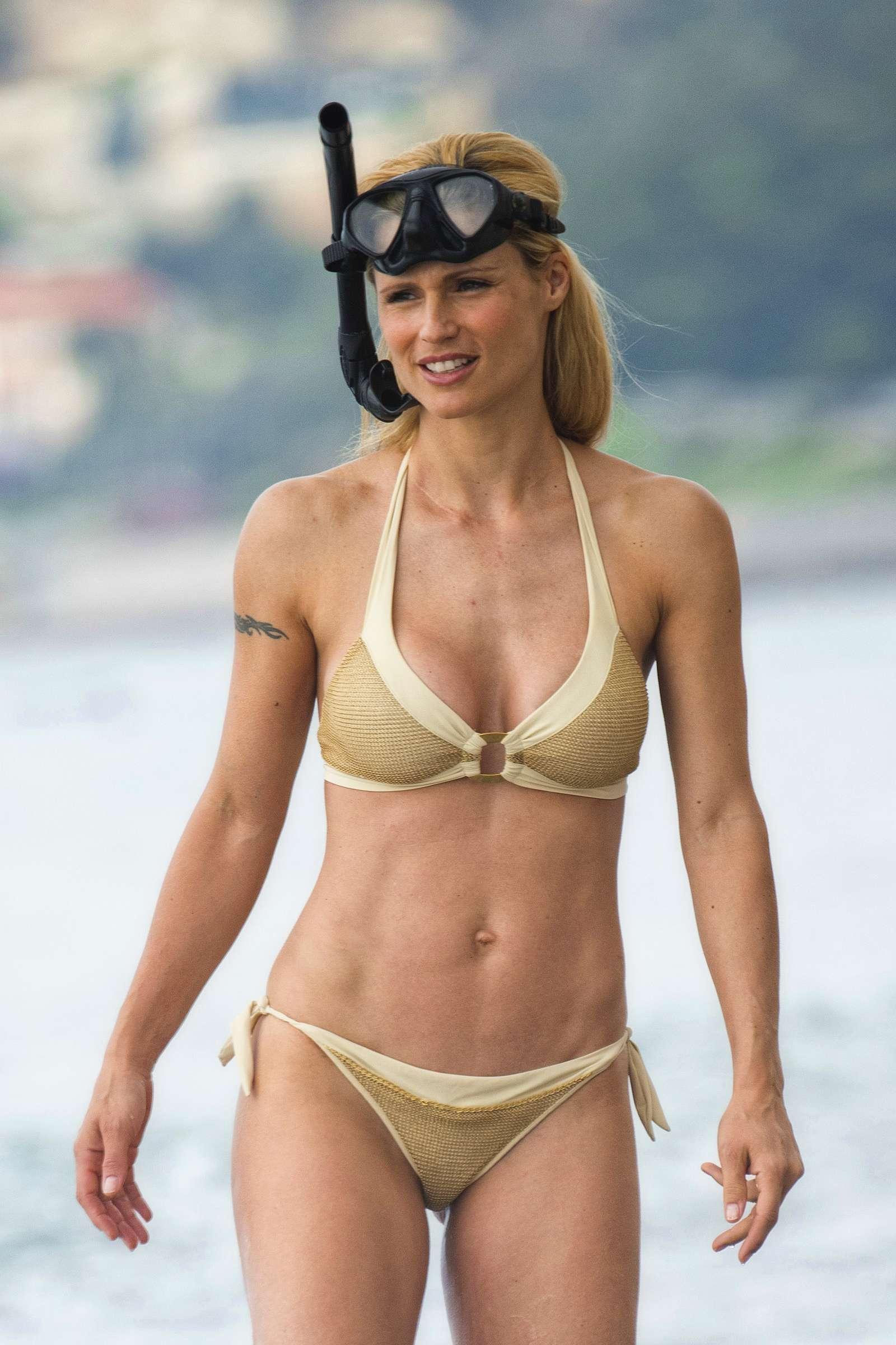 bikini Michelle hunziker