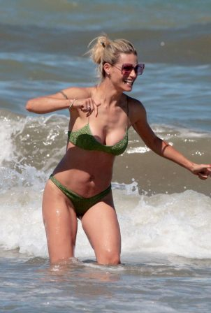 Michelle Hunziker in Green Bikini on vacation in Milano Marittima