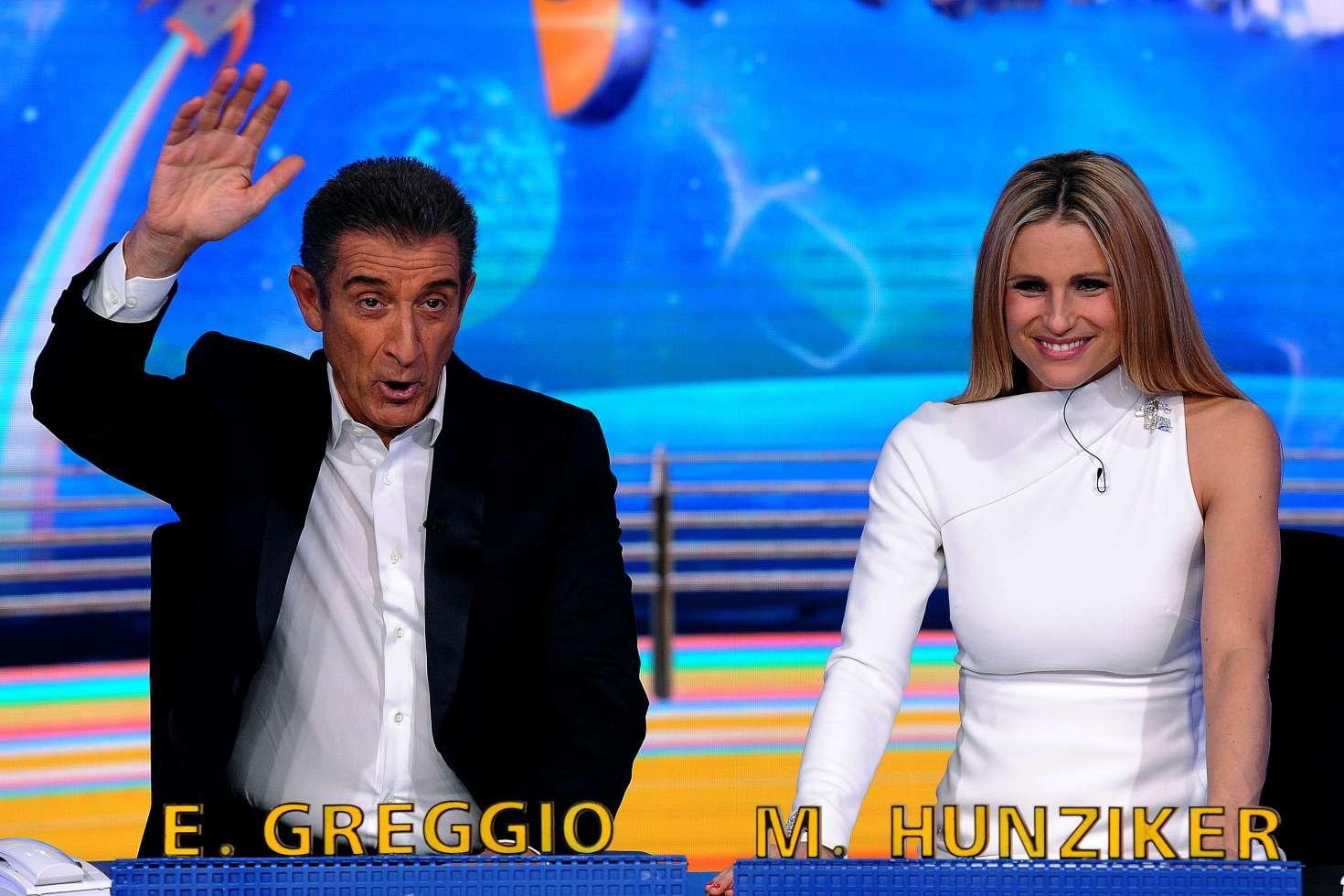 Michelle Hunziker: Italian TV show Striscia la notizia -10 ...