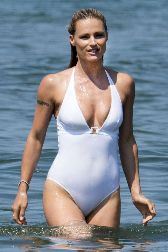 Michelle Hunziker on the beach in Italy