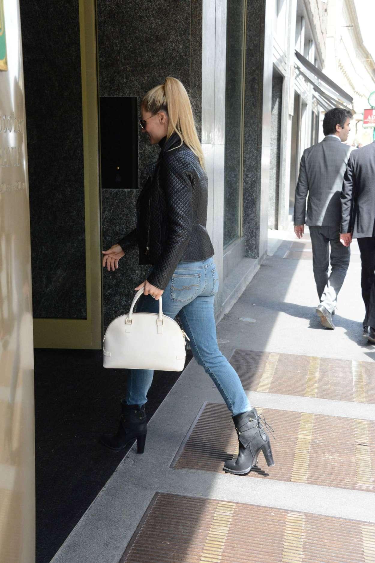 Michelle Hunziker in Jeans -14   GotCeleb