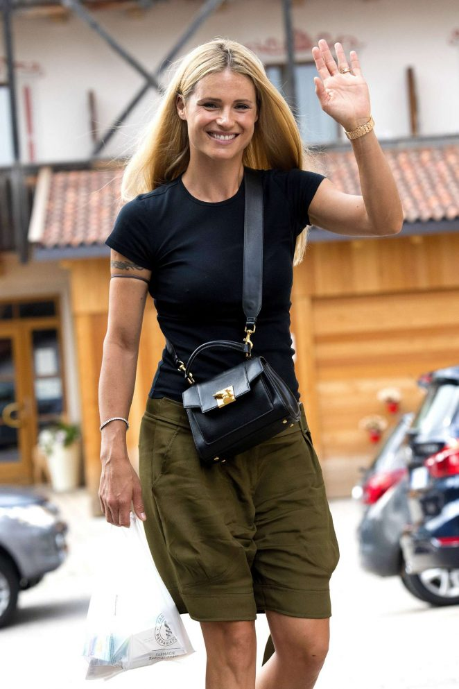 Michelle Hunziker - Out in San Cassiano