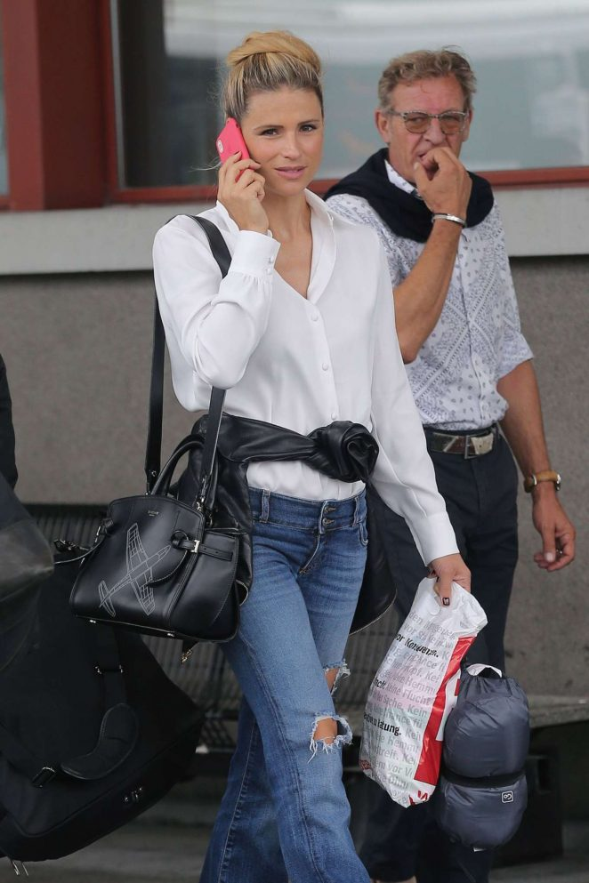 Michelle Hunziker - Seen At Airport In Milan
