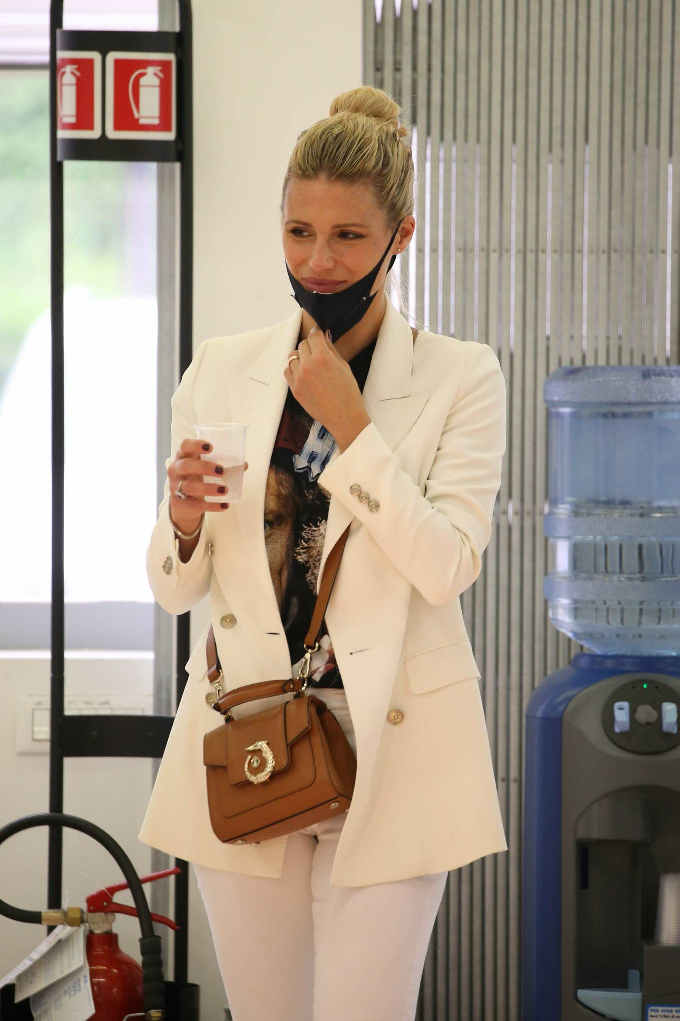 Michelle Hunziker - Shopping at pet shop and at Trussardi outlet in Bergamo