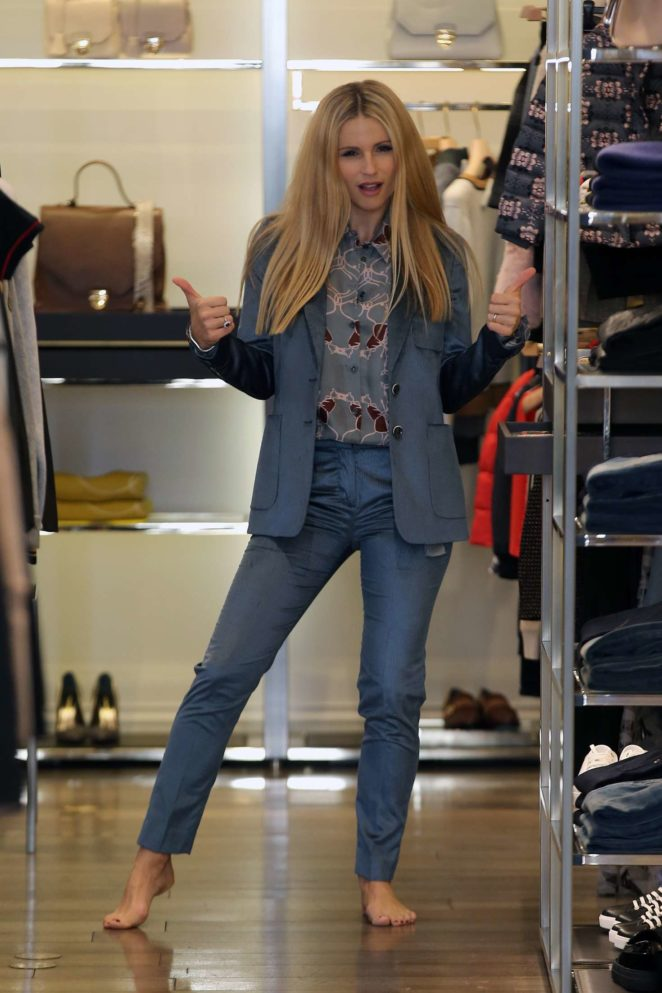 Michelle Hunziker shopping for clothes in Milan