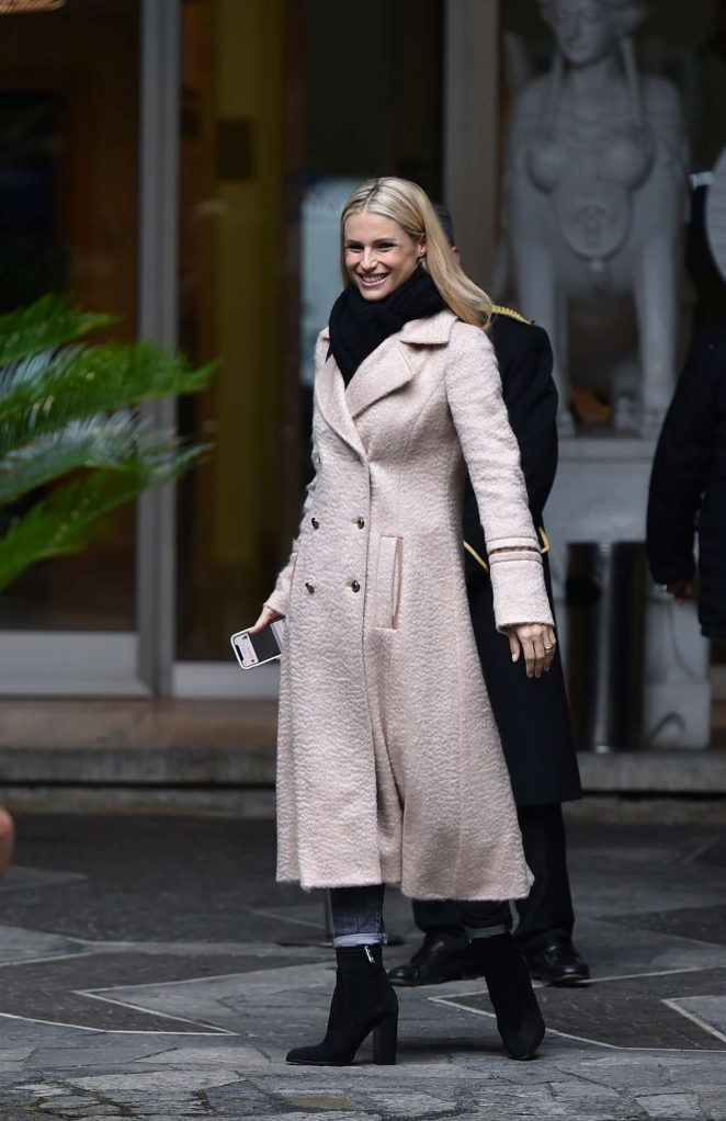 Michelle Hunziker - Spotted at her Hotel in Sanremo