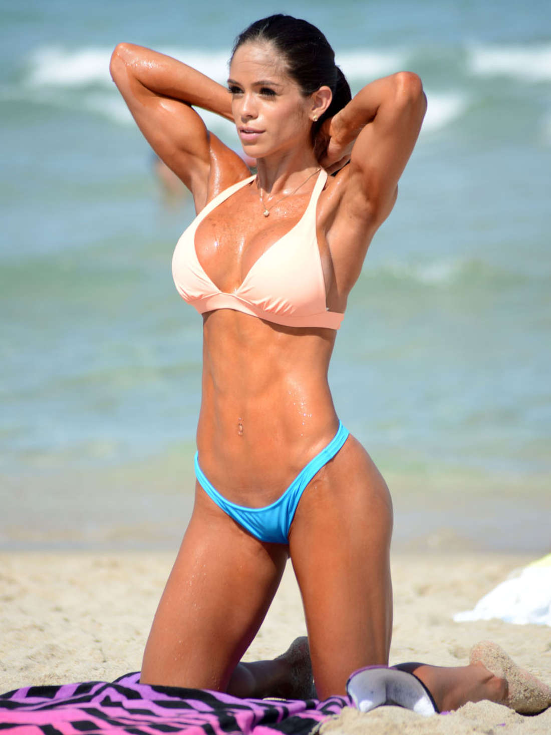 Michelle-Lewin-Hot-in-Bikini--13.jpg
