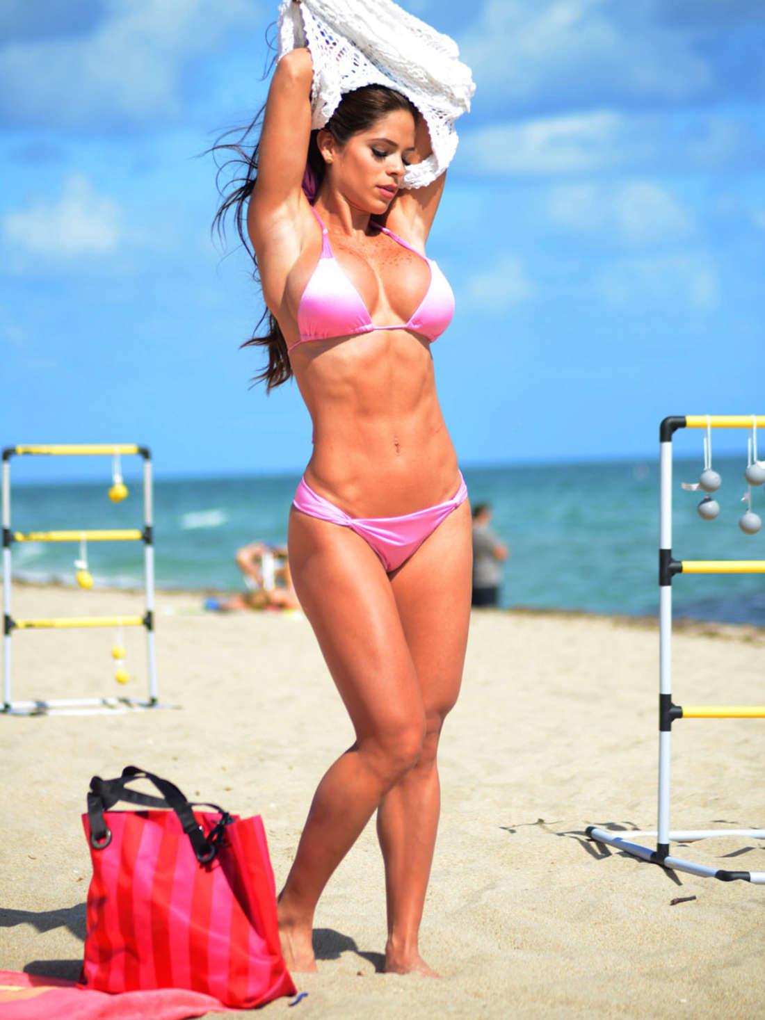 Cleavage Nathalie Fust nude (91 foto and video), Topless, Cleavage, Twitter, in bikini 2015