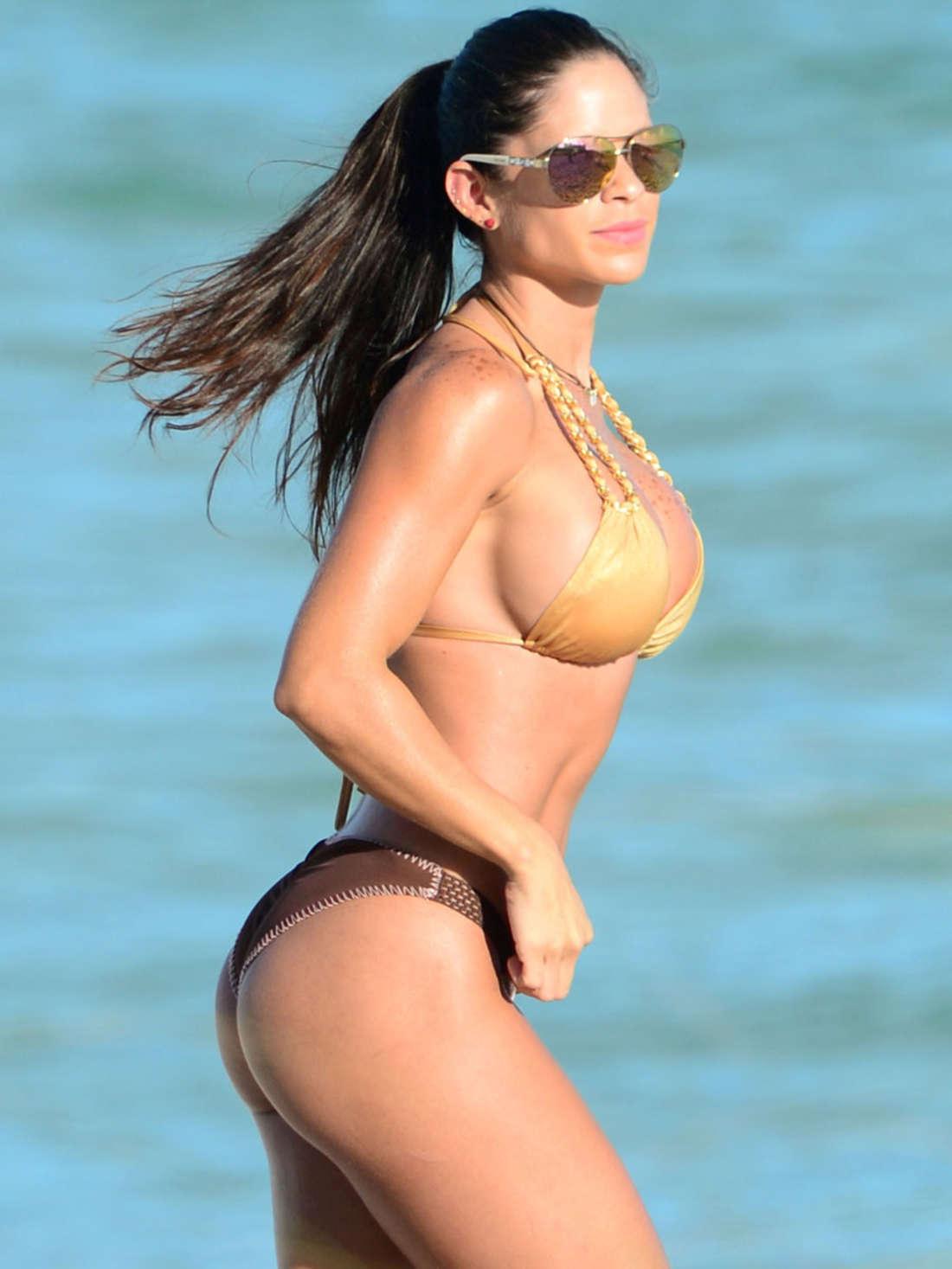 Michelle Lewin Hot in Bikini in Miami
