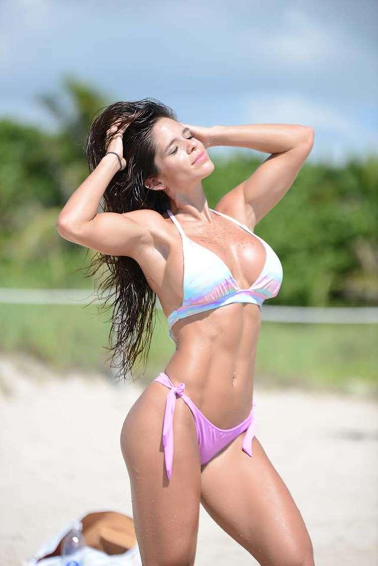 Michelle Lewin Bikini Nude Photos 74
