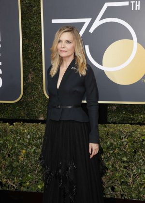 Michelle Pfeiffer - 2018 Golden Globe Awards in Beverly Hills
