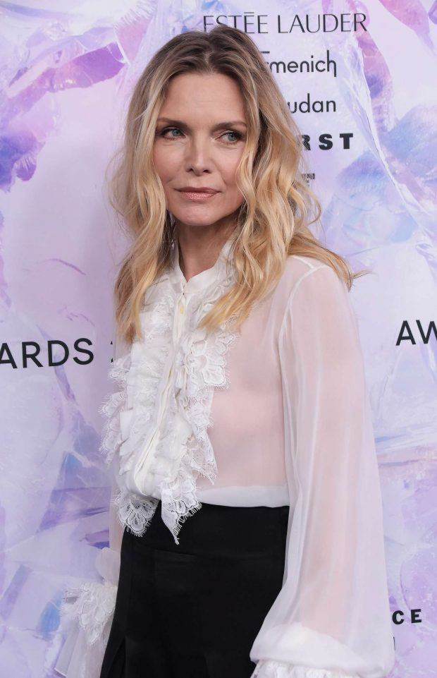 Michelle Pfeiffer: 2019 Fragrance Foundation Awards-04