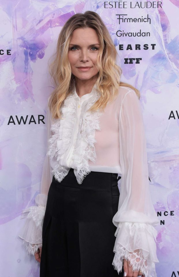 Michelle Pfeiffer: 2019 Fragrance Foundation Awards-05