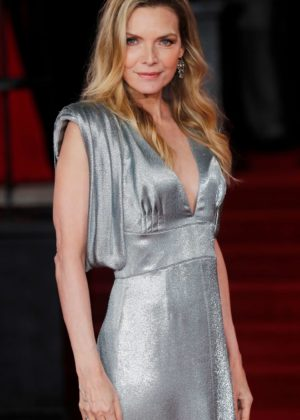 Michelle Pfeiffer - 'Murder on the Orient Express' Premiere in London