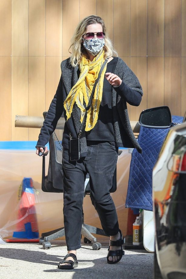 Michelle Pfeiffer - Out in Pacific Palisades