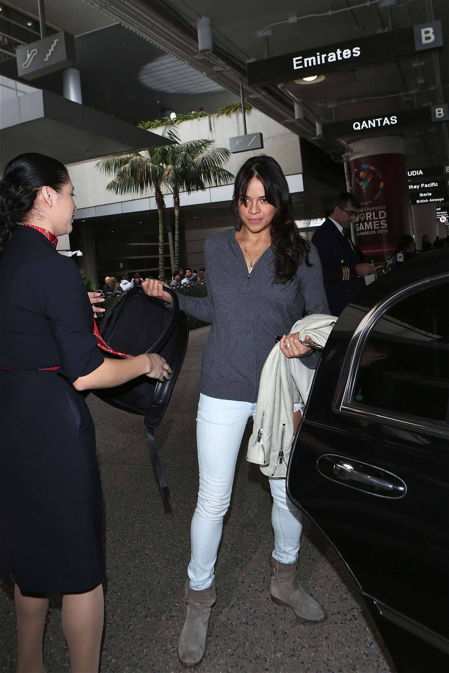 Michelle Rodriguez 2015 : Michelle Rodriguez in Jeans at LAX -04