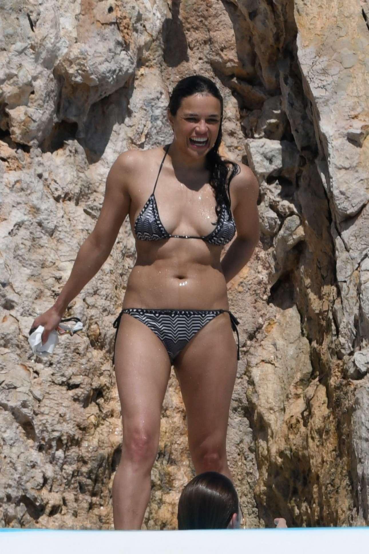 Bikini Emilia Rodriguez nude (66 foto and video), Ass, Hot, Feet, underwear 2018