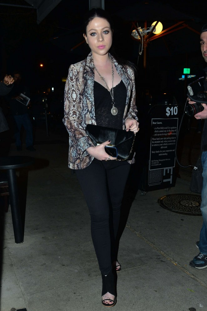 Michelle Trachtenberg - Craig's Restaurant in West Hollywood