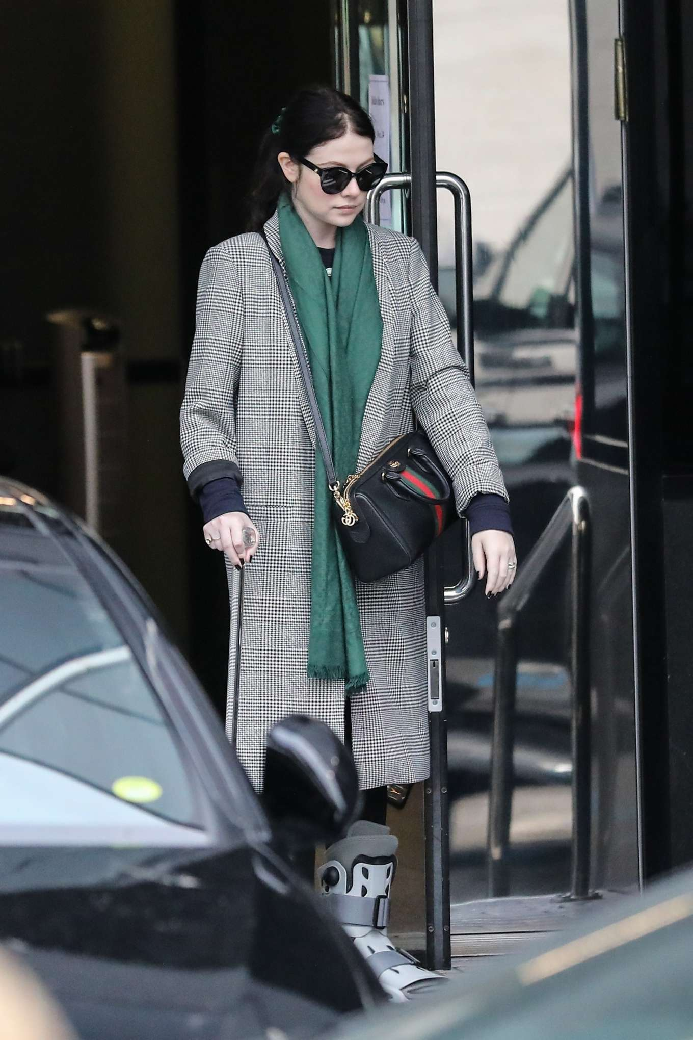 Michelle Trachtenberg 2019 : Michelle Trachtenberg in Long Coat – Christmas Shopping in Beverly Hills-01