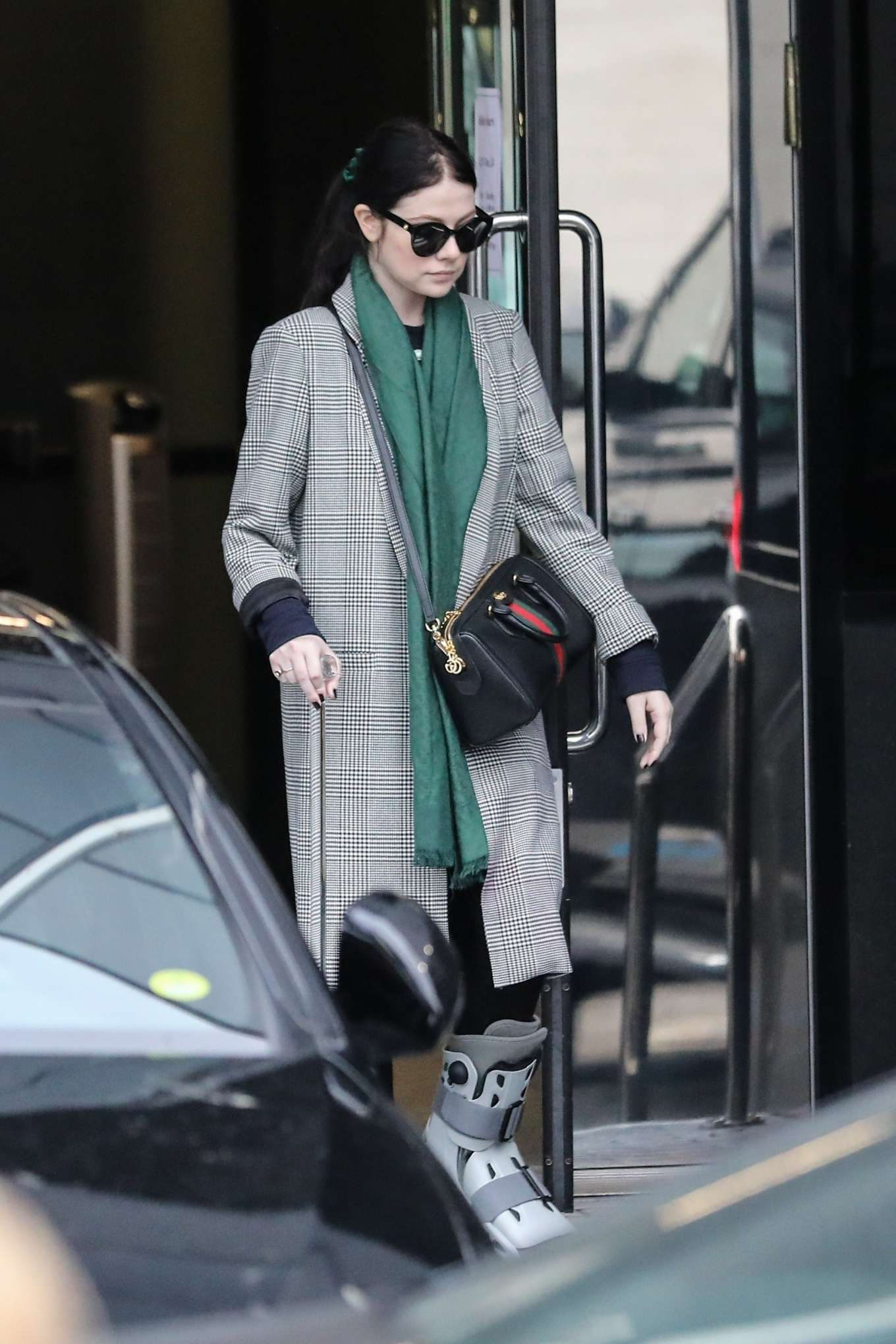Michelle Trachtenberg 2019 : Michelle Trachtenberg in Long Coat – Christmas Shopping in Beverly Hills-02