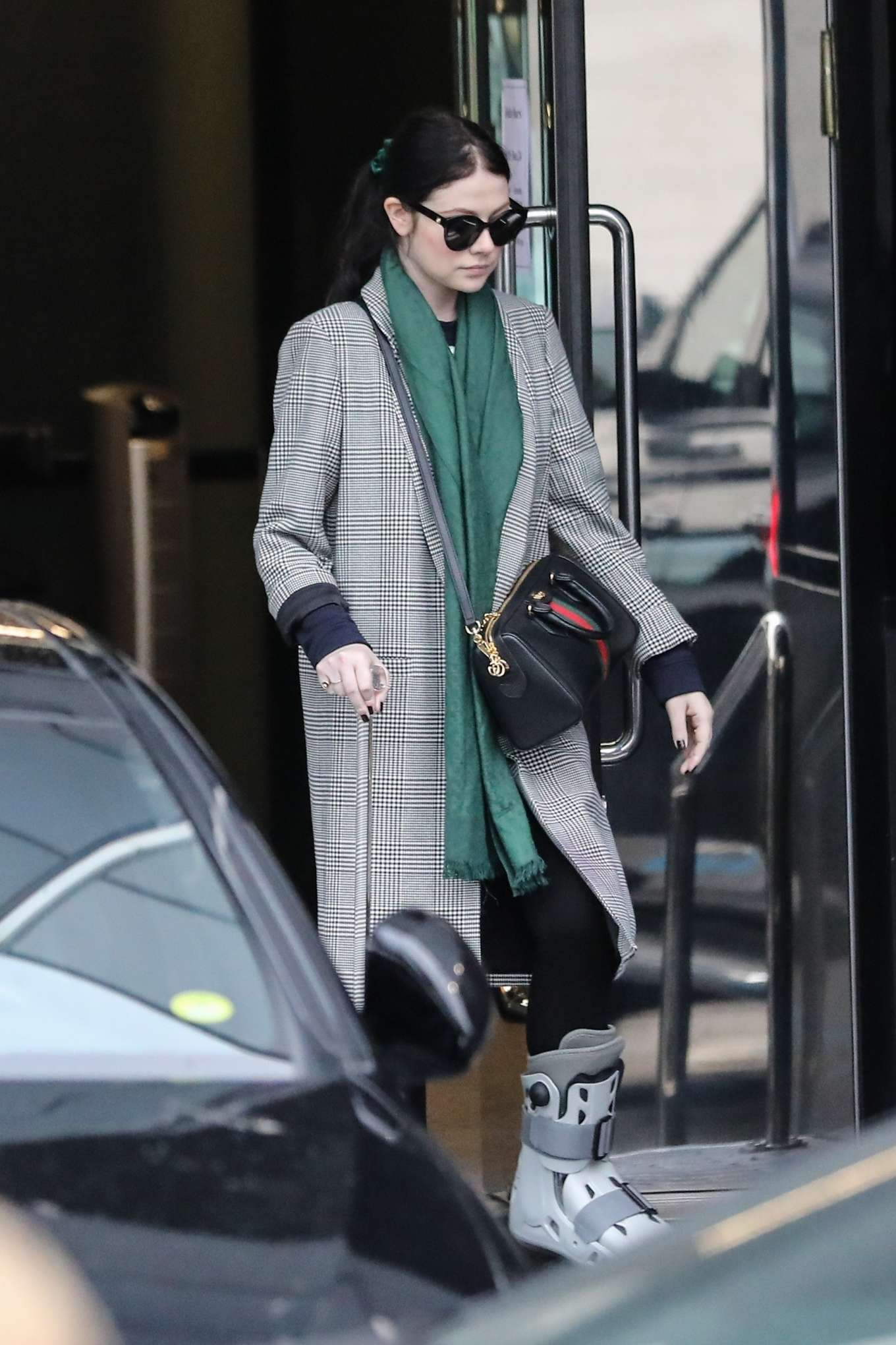 Michelle Trachtenberg 2019 : Michelle Trachtenberg in Long Coat – Christmas Shopping in Beverly Hills-03