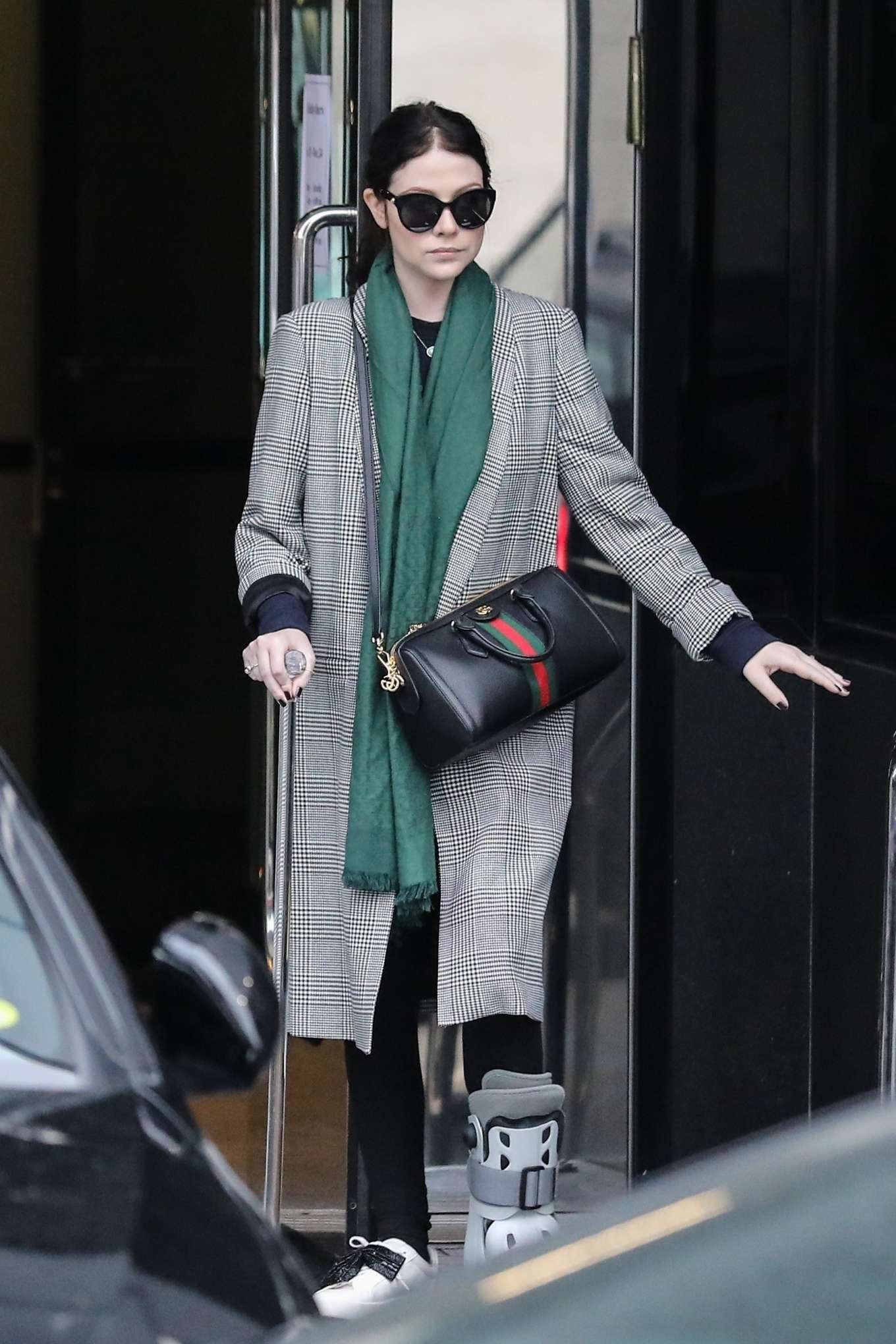 Michelle Trachtenberg 2019 : Michelle Trachtenberg in Long Coat – Christmas Shopping in Beverly Hills-09