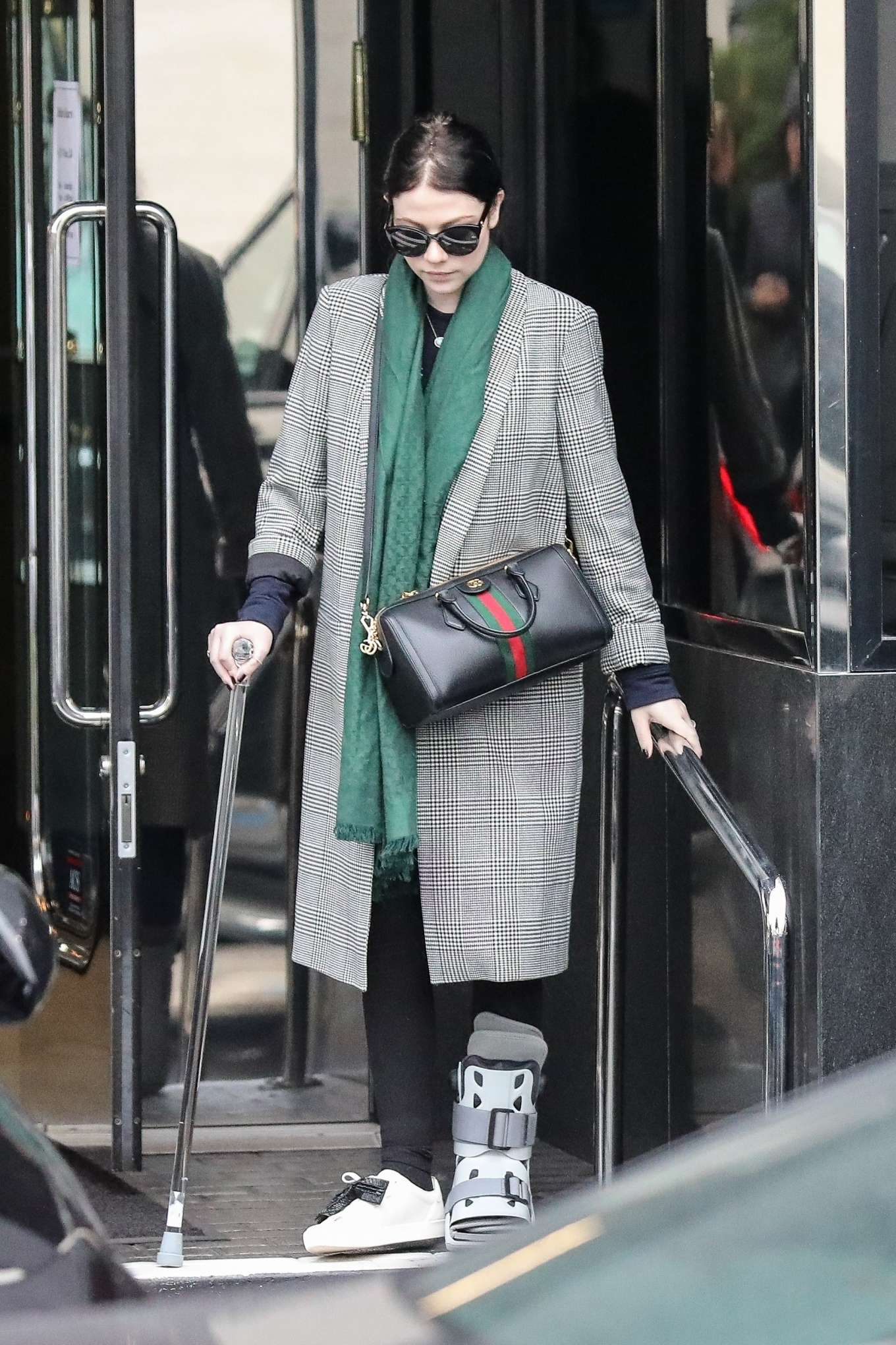 Michelle Trachtenberg 2019 : Michelle Trachtenberg in Long Coat – Christmas Shopping in Beverly Hills-11