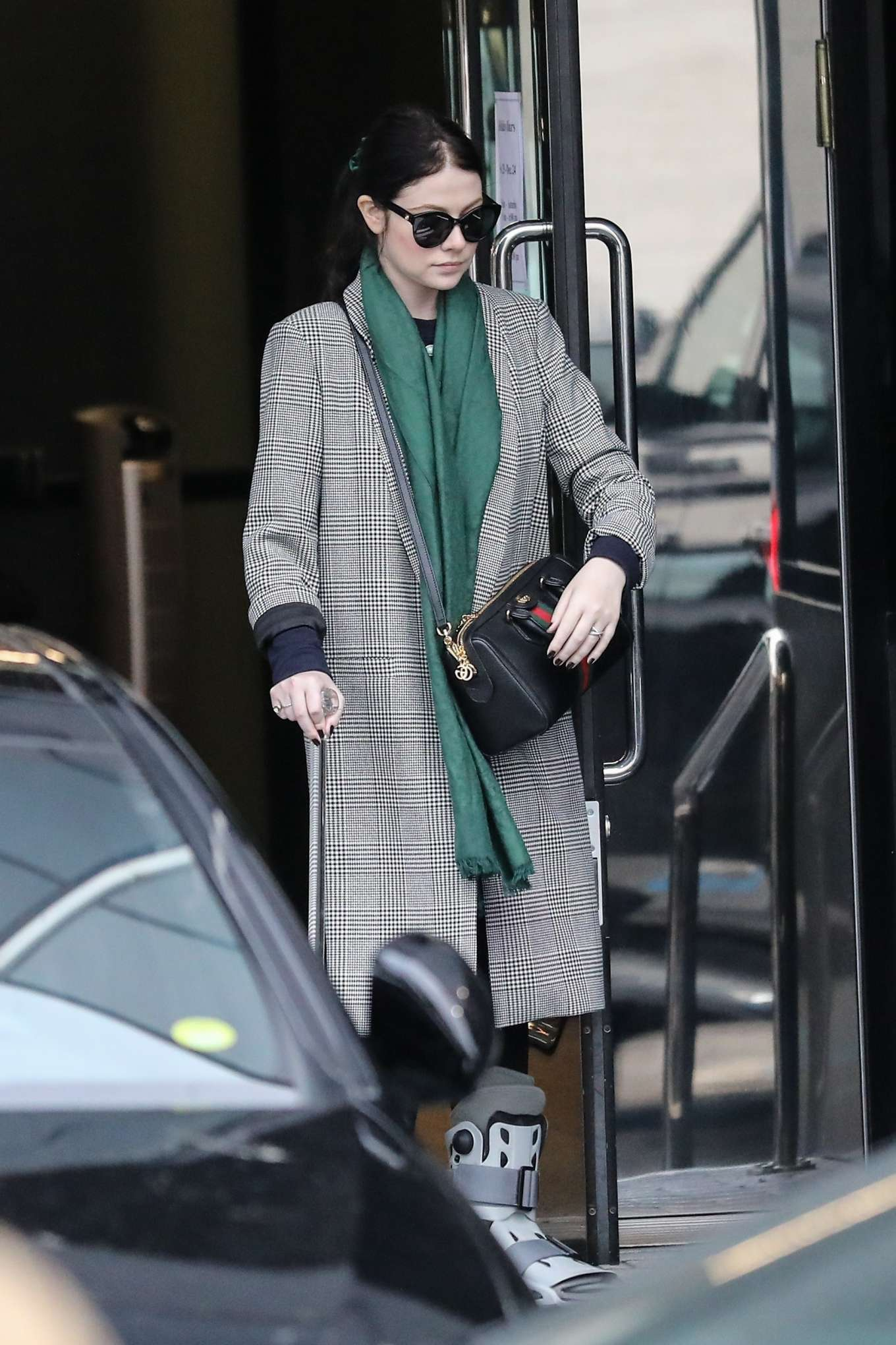 Michelle Trachtenberg 2019 : Michelle Trachtenberg in Long Coat – Christmas Shopping in Beverly Hills-12
