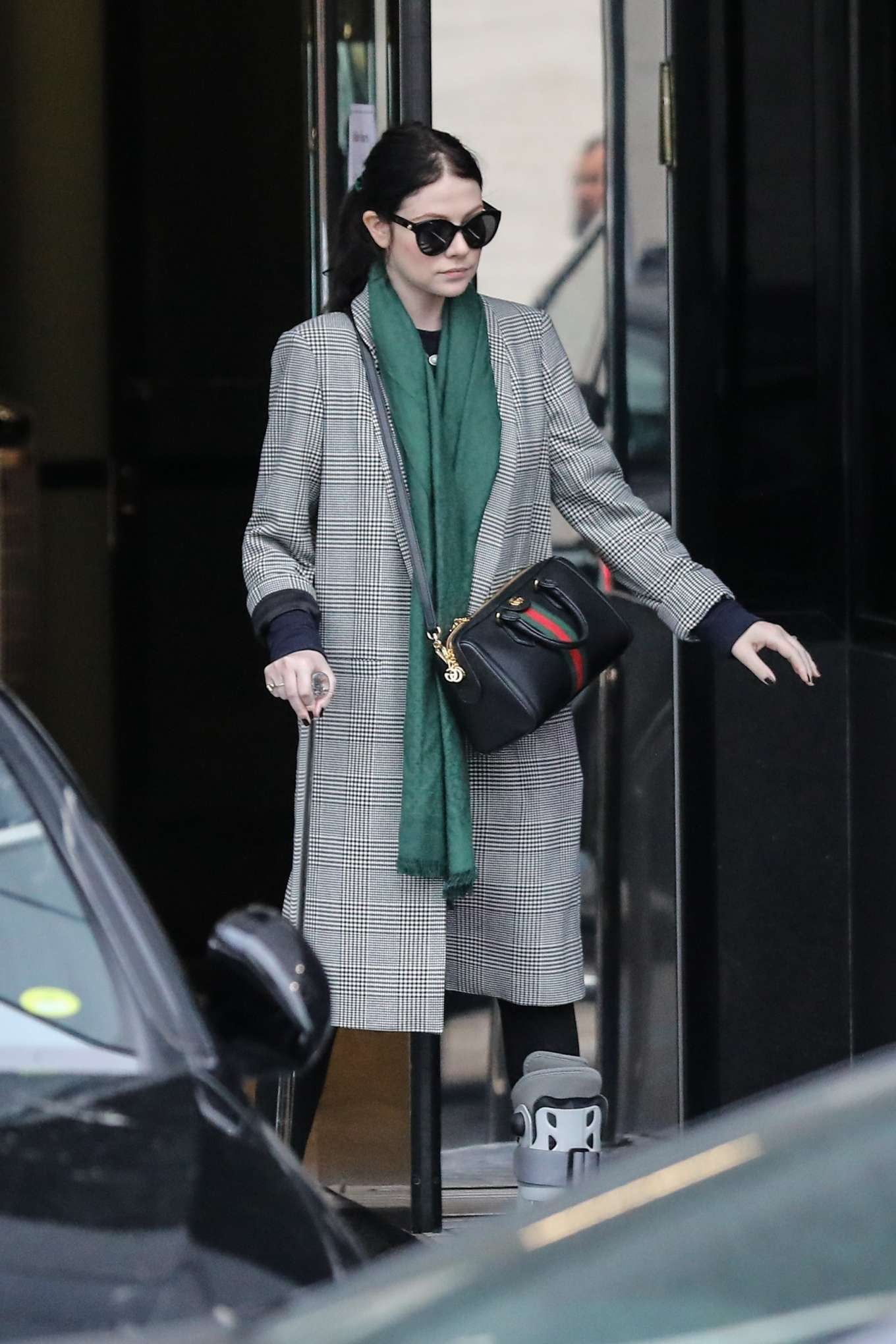 Michelle Trachtenberg 2019 : Michelle Trachtenberg in Long Coat – Christmas Shopping in Beverly Hills-14