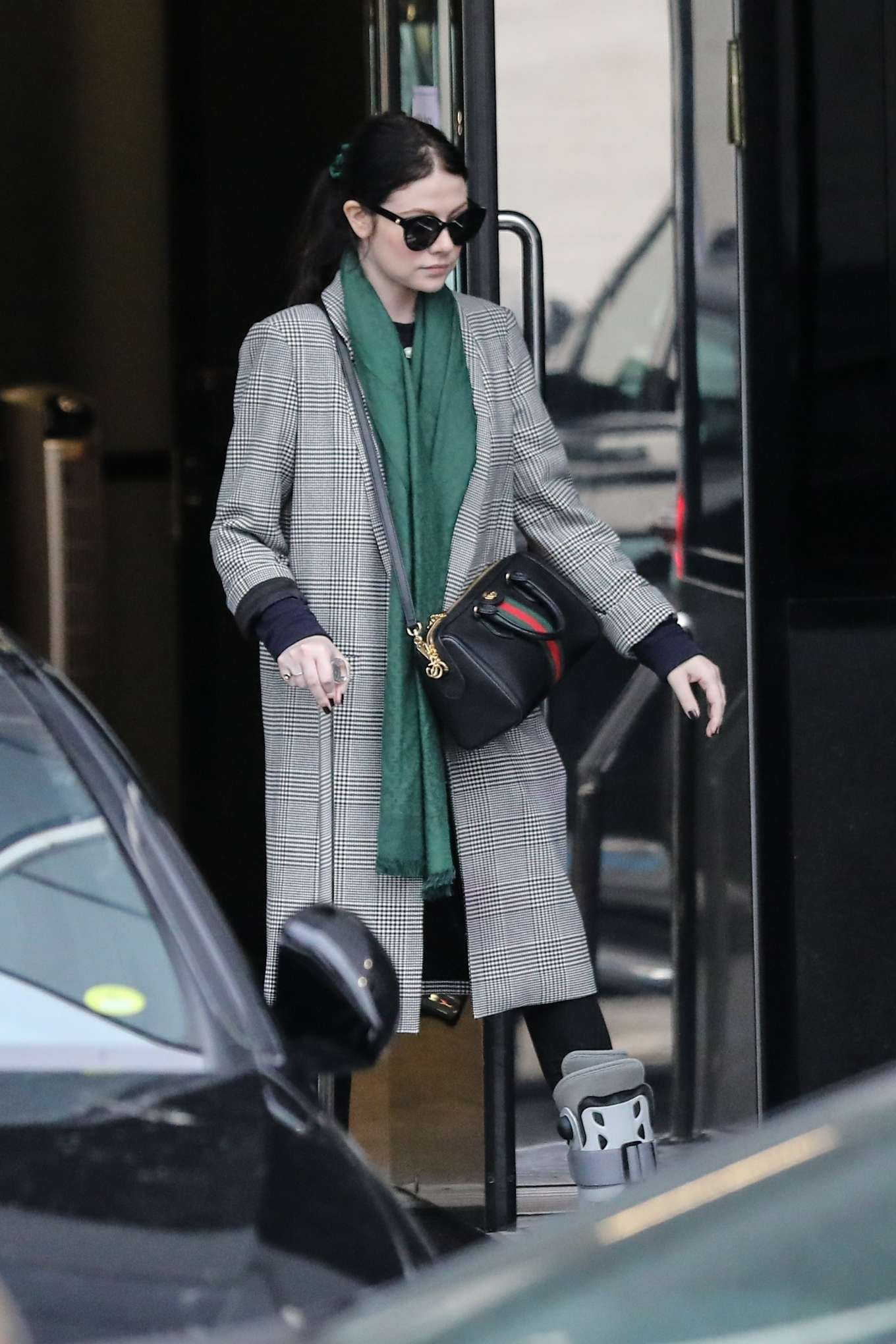 Michelle Trachtenberg 2019 : Michelle Trachtenberg in Long Coat – Christmas Shopping in Beverly Hills-25