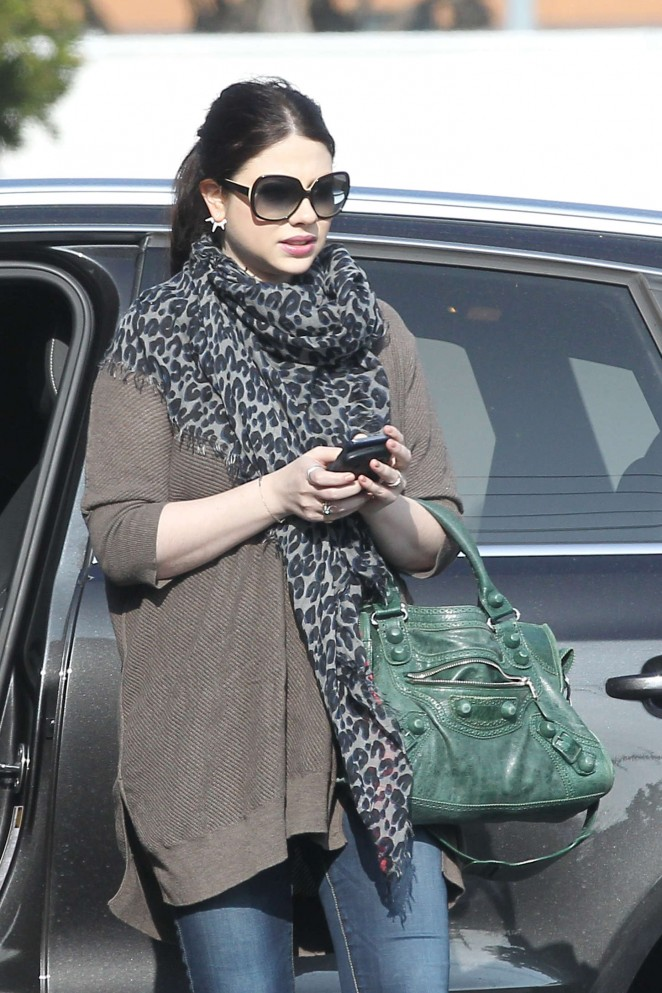 Michelle Trachtenberg - Out and about in LA