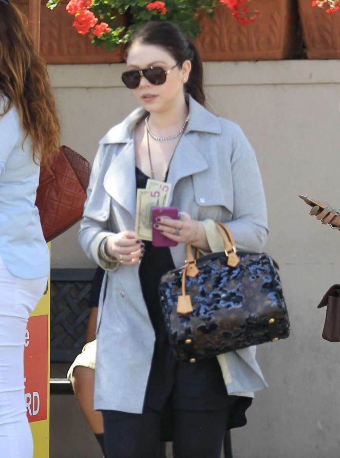 Michelle Trachtenberg out for lunch at Il Pastaio in Beverly Hills