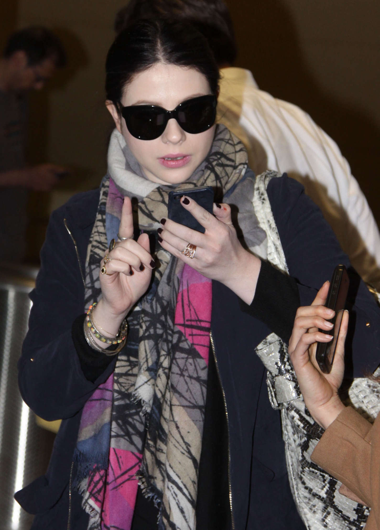 Michelle Trachtenberg 2015 : Michelle Trachtenberg: Ronald Reagan Washington National Airport -02