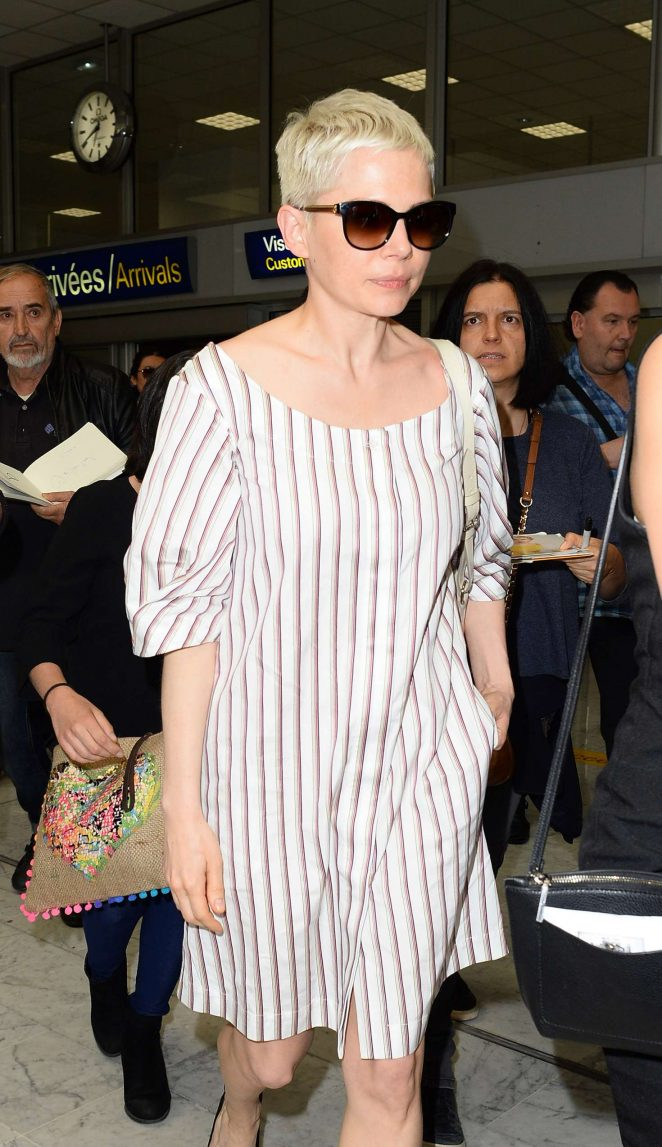 Michelle Williams Arriving at Airport in Nice