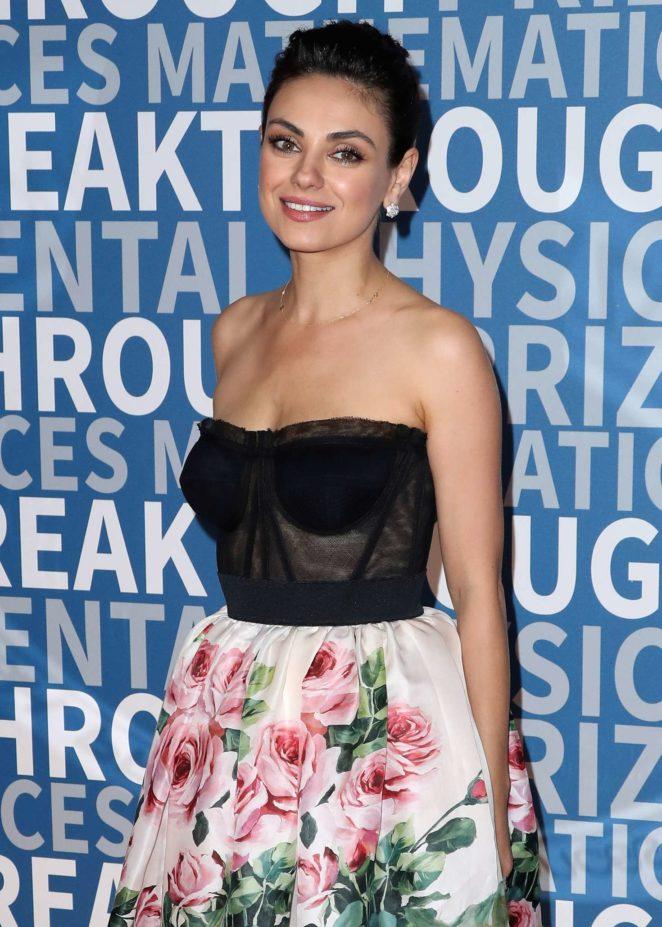 Mila Kunis – 2017 Breakthrough Prize Ceremony in Mountain View