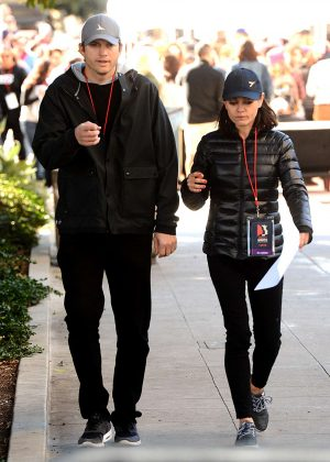 Mila Kunis and Ashton Kutcher - 2018 Women's March in Los Angeles