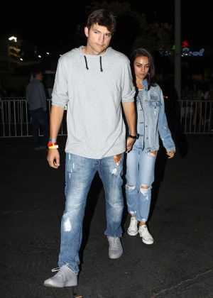 Mila Kunis and Ashton Kutcher - Arrives at Jay-Z and Beyonce's On the Run II Tour in Pasadena