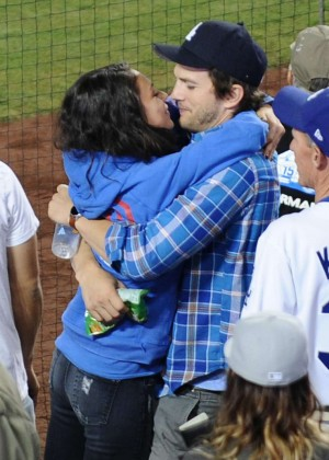 Mila Kunis and Ashton Kutcher Kissing at Dodgers Stadium in LA