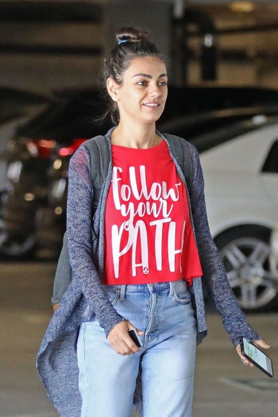 Mila Kunis - Arrives at a local nails salon in LA