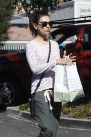 Mila Kunis - Buys groceries at Beverly Glen Grocers Market in Bel Air